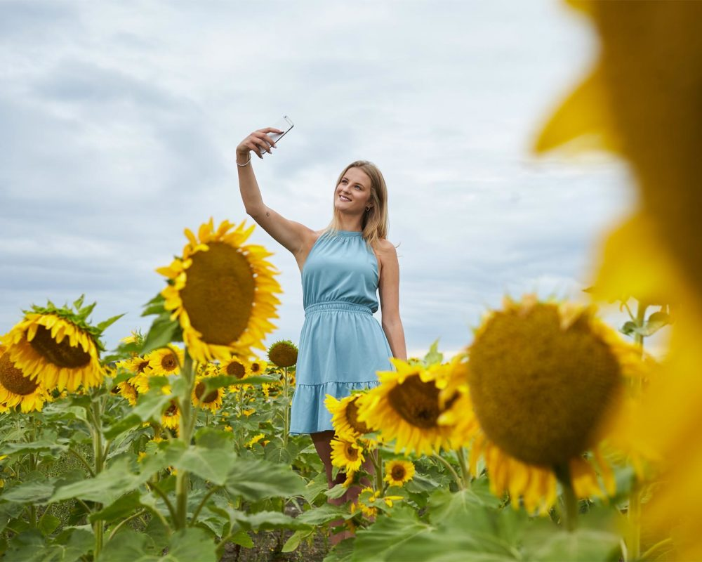 hello_sunshine-selfie